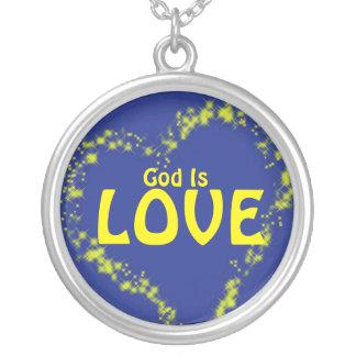 神は愛です シルバープレートネックレス