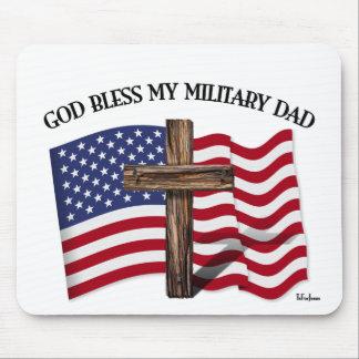 神は私の軍のパパ、険しい十字及び米国の旗を賛美します マウスパッド