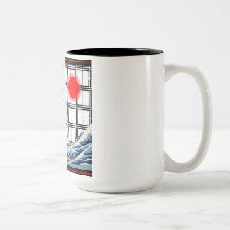 神奈川-神奈川沖浪裏を離れた素晴らしい波 ツートーンマグカップ