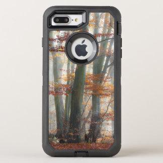 神秘的で霧深い森林景色の秋の写真-保護して下さい オッターボックスディフェンダーiPhone 8 PLUS/7 PLUSケース