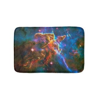 神秘的な山、カリーナの星雲の宇宙の写真 バスマット