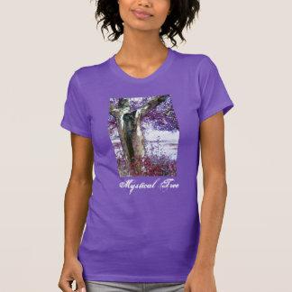 神秘的な木 Tシャツ