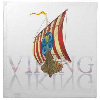 神秘的な水に反映するバイキングの船 ナプキンクロス