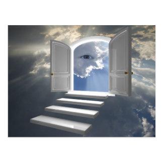 神秘的な目で開くドア 葉書き
