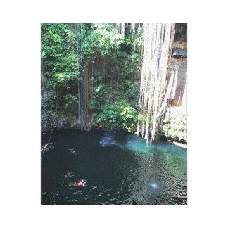 神聖で青いCenote、Ik Kilのメキシコ#2のキャンバス キャンバスプリント