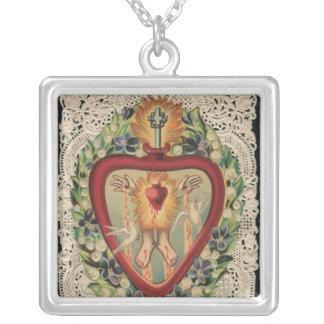 神聖なハートのネックレス シルバープレートネックレス