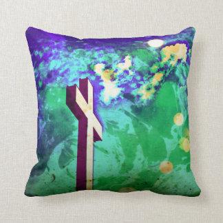 神聖な十字の紫色Nの緑の装飾用クッション クッション