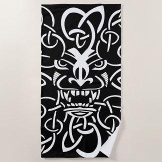 神話上のtikiのマスクの民族のデザイン ビーチタオル