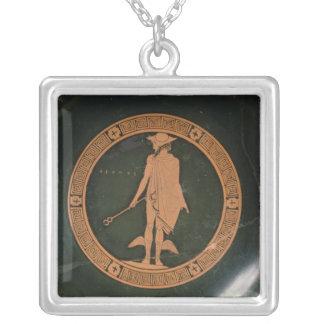 神Hermesを描写するギリシャの赤姿のコップ シルバープレートネックレス