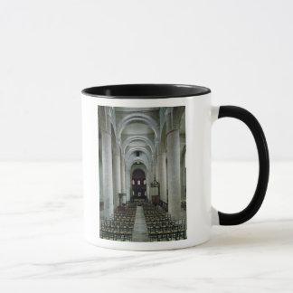祭壇の方に見るネーブの眺め マグカップ