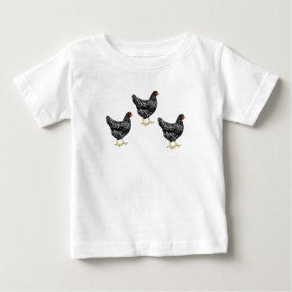 禁止されたプリマスロックの伝統の品種置く雌鶏 ベビーTシャツ