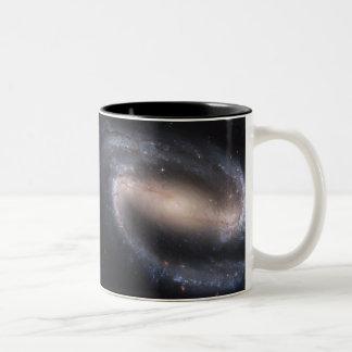 禁止された渦状銀河NGC 1300年 ツートーンマグカップ
