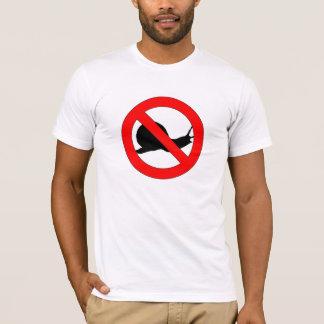 禁止のかたつむりのTシャツ Tシャツ