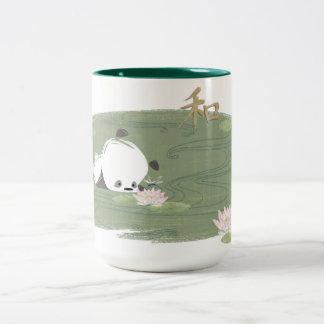 禅のパンダのスイレンのマグ ツートーンマグカップ