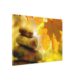 禅の黙想の石およびかえでの葉 キャンバスプリント