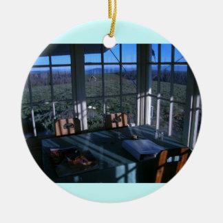 禿げたビュートの火の眺望の朝食ヌック セラミックオーナメント
