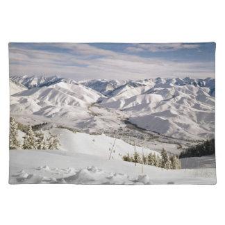 禿げた山の上からスキーヤーの意見 ランチョンマット