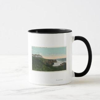 禿げ頭の崖の眺め及び崖Housの外面 マグカップ