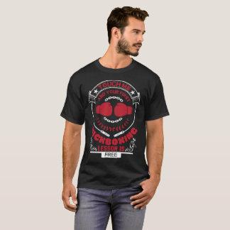 私およびKickboxingのあなたの最初Tシャツに触れて下さい Tシャツ