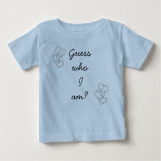 私がだれであるか推測か。 ベビーTシャツ