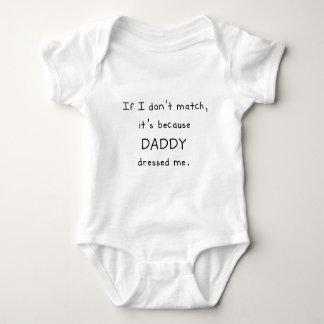 私が一致しなければ、それはお父さんが私に服を着せたのであります ベビーボディスーツ