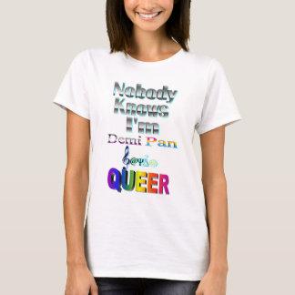 私がDemi鍋のSapioの同性愛者であることをだれも知りません Tシャツ