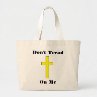 私で十字の宗教自由を踏まないで下さい ラージトートバッグ