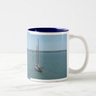 私と遠くにな帆 ツートーンマグカップ