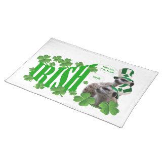 私によってがアイルランドのmeerkatのデザインである私に接吻して下さい ランチョンマット