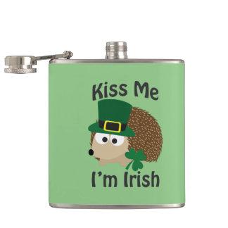 私によってがアイルランド語である私に接吻して下さい! ハリネズミ フラスク