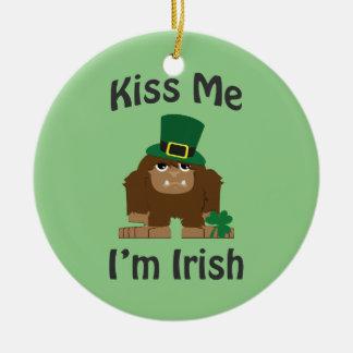 私によってがアイルランド語ビッグフットである私に接吻して下さい セラミックオーナメント
