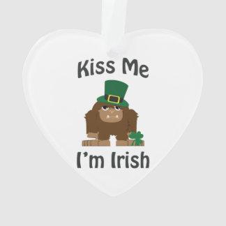 私によってがアイルランド語Saint patricks dayビッグフットである私に接吻して下さい オーナメント