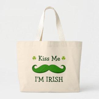 私によってが緑のおもしろいな髭とアイルランド語である私に接吻して下さい ラージトートバッグ