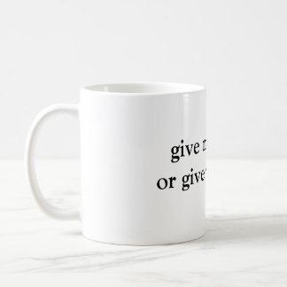 私にコーヒーを与えますか、または死をcofeeのマグ与えて下さい コーヒーマグカップ