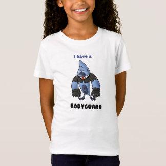私にボディーガードがあります! Tシャツ