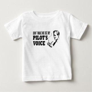 私に私のパイロットの声を使用させます ベビーTシャツ