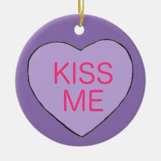 私に紫色キャンデーのハートのバレンタインのギフトのオーナメント接吻して下さい セラミックオーナメント