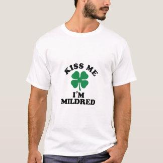 私に、Im MILDRED接吻して下さい Tシャツ