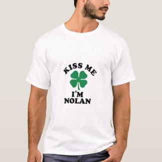 私に、Im NOLAN接吻して下さい Tシャツ
