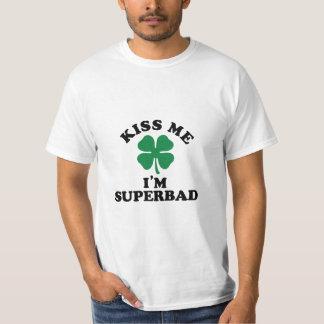 私に、Im SUPERBAD接吻して下さい Tシャツ