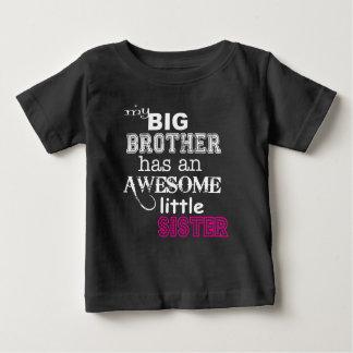 私のお兄さんは素晴らしい妹の~のティーを持っています ベビーTシャツ