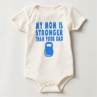 私のお母さんはあなたのパパより強いです ベビーボディスーツ