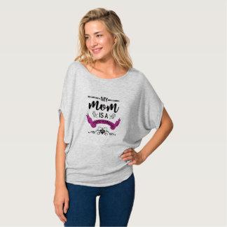 私のお母さんはFibro戦士の流れるワイシャツです Tシャツ