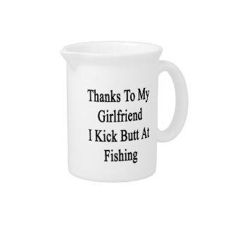 私のガールフレンドのおかげで私は魚釣りでお尻を蹴ります ピッチャー