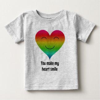 私のハートのスマイルの虹を作ります ベビーTシャツ