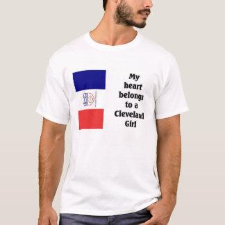 私のハートはクリーブランドの女の子に属します Tシャツ