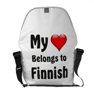 私のハートはフィンランドに属します クーリエバッグ