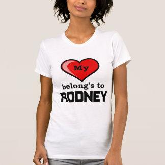 私のハートはロドニーに属します Tシャツ