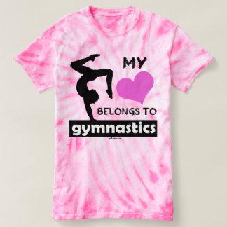 私のハートは体操に属します Tシャツ