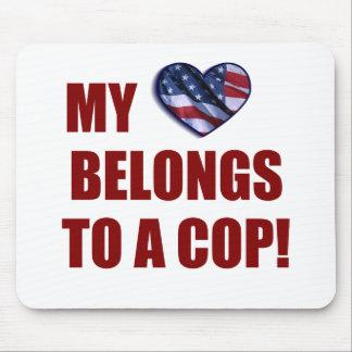 私のハートは警察官に属します マウスパッド